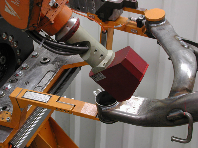 LTSK500 scanning system mounted on a robotic arm.